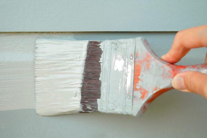 Acrylfarbe streichen Holz