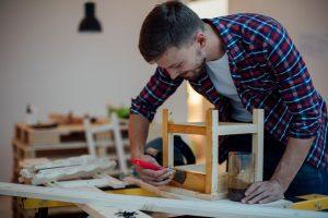Möbel mit Acrylfarbe streichen