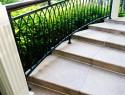 Außentreppe aus Granit – diese Kosten fallen an
