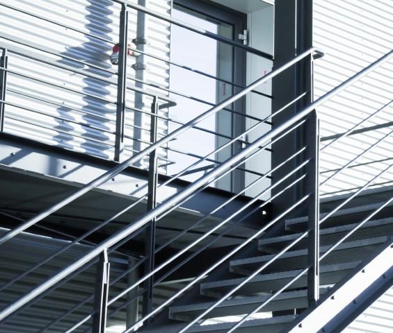 Außentreppe rutschfest machen » Anleitung in 4 Schritten