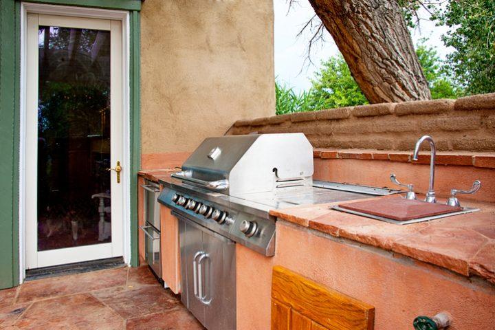 Außenküche selber bauen » Das ist zu beachten