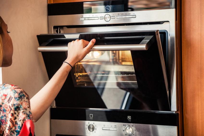 Smeg Kühlschrank Wasser Läuft Aus : Kondenswasser im backofen woher kommt s