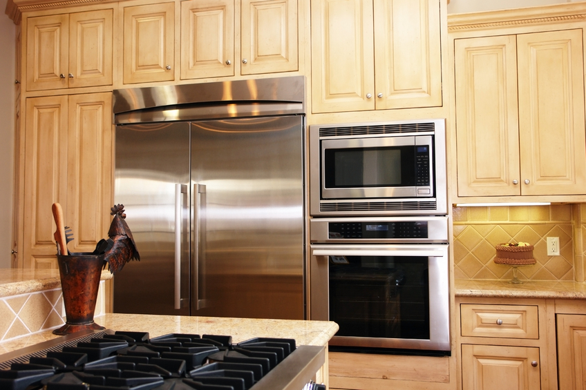 Backofen über Kühlschrank stellen » Keine gute Idee?