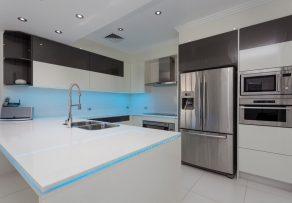 backofen und mikrowelle bereinander eine gute idee. Black Bedroom Furniture Sets. Home Design Ideas