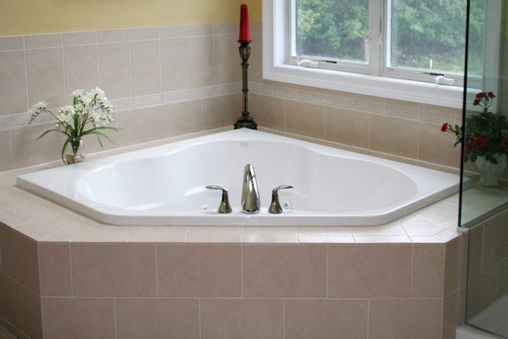 Badewanne einmauern