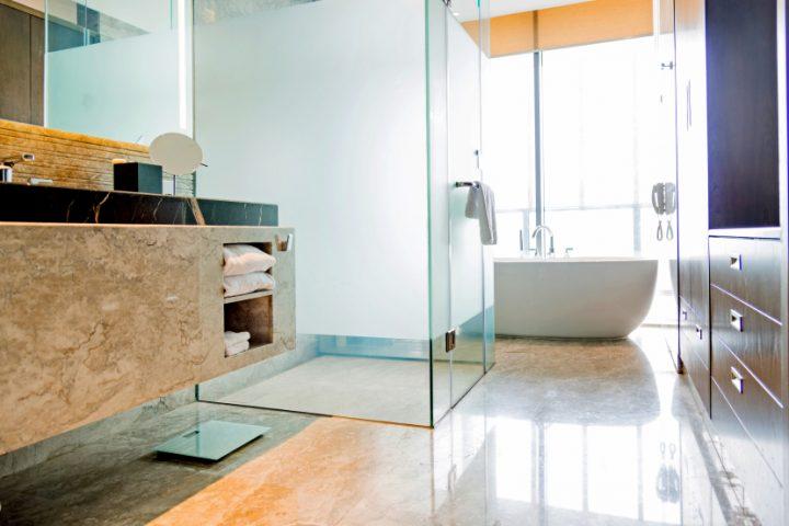 Glas fürs Badezimmerfenster » So kann niemand reinschauen