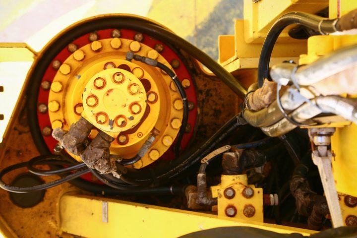 Bagger Hydraulik regeln