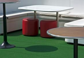 kunstrasen f r balkon terrasse das sollten sie bedenken. Black Bedroom Furniture Sets. Home Design Ideas