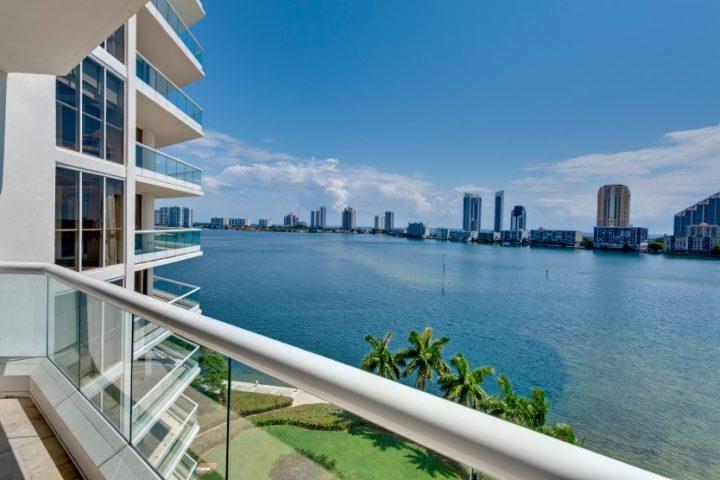 Balkon Windschutz Plexiglas