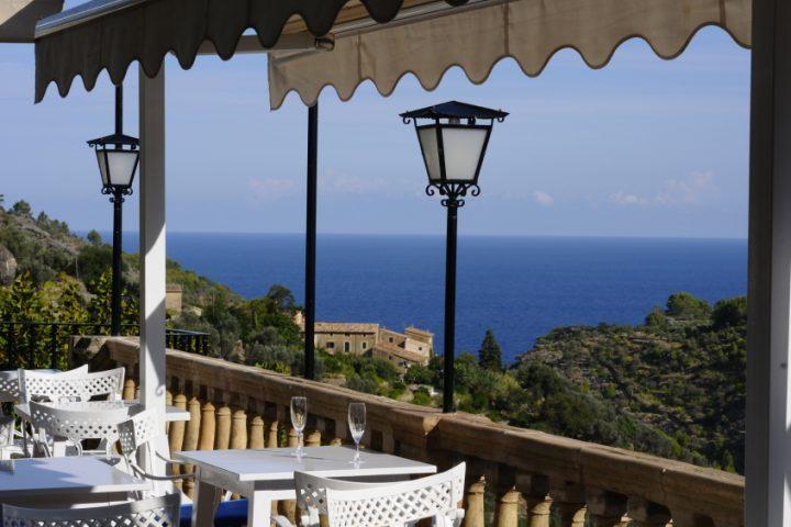 Balkon mediterran gestalten
