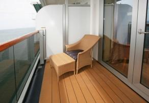 balkongel ndern erneuern so werten sie es ganz einfach auf. Black Bedroom Furniture Sets. Home Design Ideas