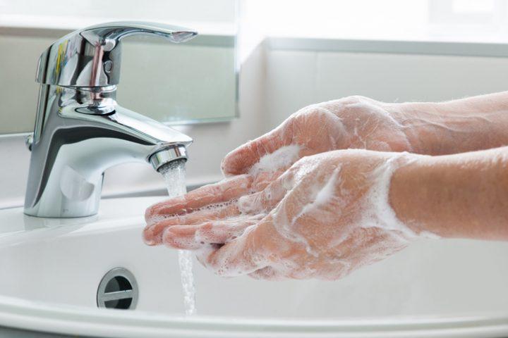 PU-Schaum entfernen Haut