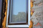 PU-Schaum vom Fenster entfernen