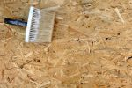 Beschichtete Spanplatten lackieren