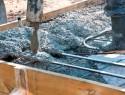 Beton mischen für Fundamente im Außenbereich