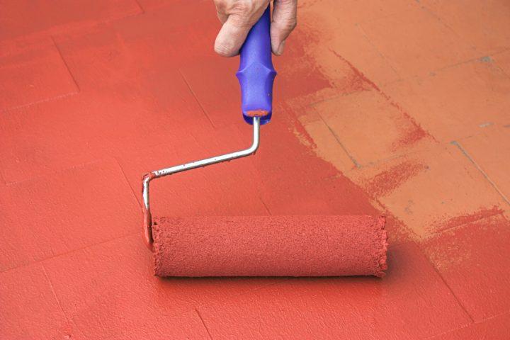 Betonboden streichen innen