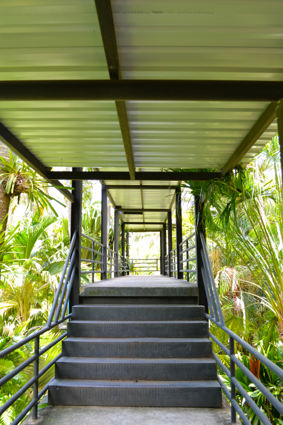 betontreppe im garten bauen anleitung in 6 schritten. Black Bedroom Furniture Sets. Home Design Ideas