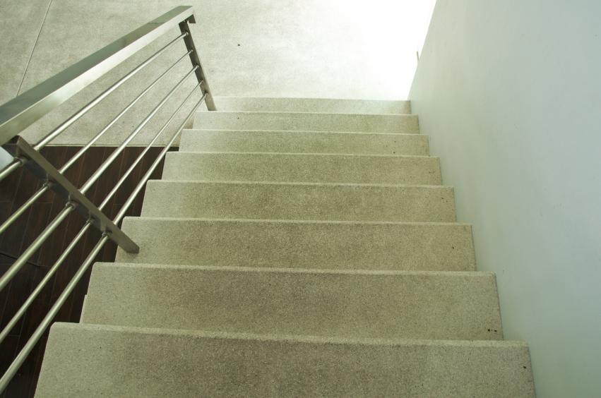 Betontreppe Innen betontreppe beschichten das sollten sie darüber wissen