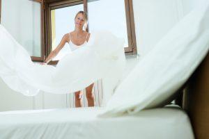 Wie häufig sollte man Bettwäsche waschen?