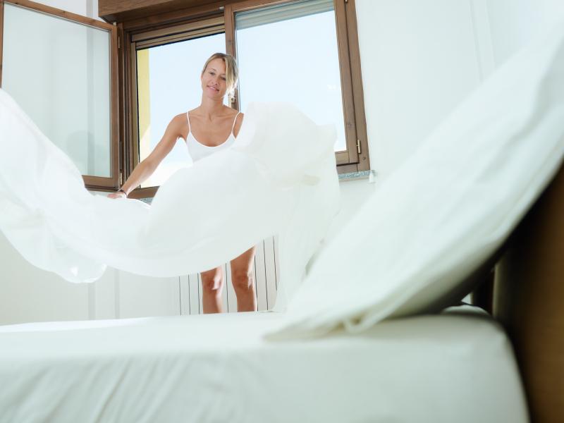 bett beziehen alles was sie wissen sollten. Black Bedroom Furniture Sets. Home Design Ideas