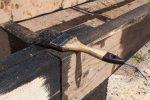 Bitumen auf Holz streichen