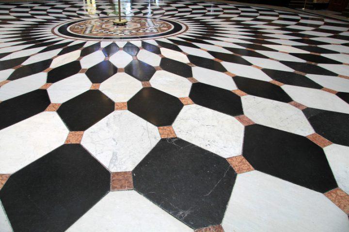 Fußboden Fliesen Weiss ~ Bodenfliesen in schwarz weiß möglichkeiten anbieter preise