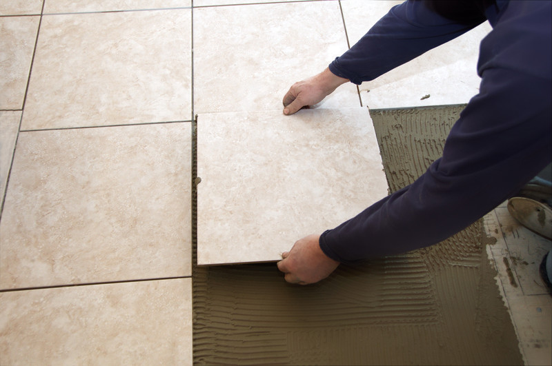 Fußboden Fliesen Anleitung ~ Bodenfliesen verlegen anleitung in schritten