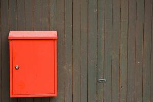 Briefkasten bekleben