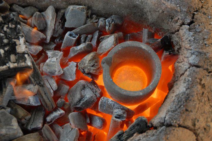 Bronze schmelzen