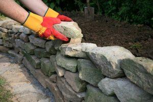 Bruchsteinmauer selber machen