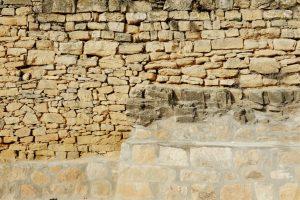 Bruchsteinmauer neue Fugen