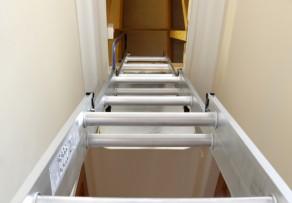 Dachbodentreppe Einbauen Lassen : Dachbodentreppe dämmen alles was sie wissen müssen