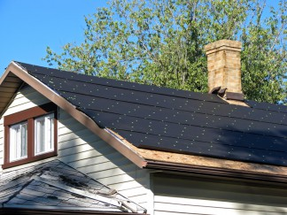 Dachdecken mit Dachpappe – so geht es richtig