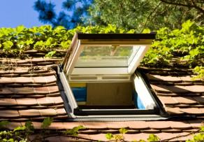 dachfenster schlie en das k nnen sie tun wenn es klemmt. Black Bedroom Furniture Sets. Home Design Ideas