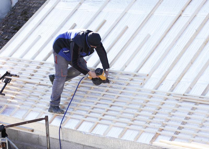 Dachlatten anbringen