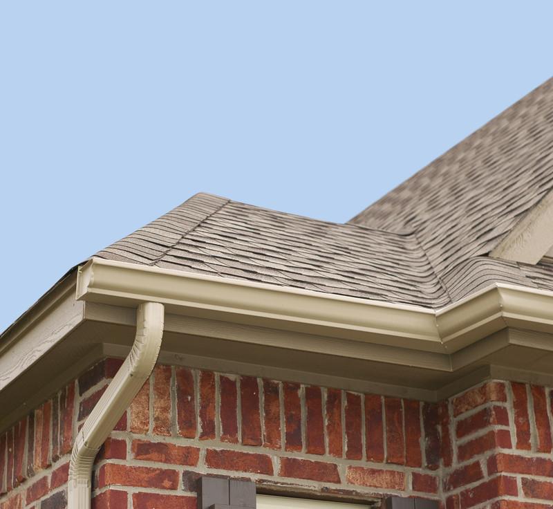Dachschindeln aus Bitumen verlegen
