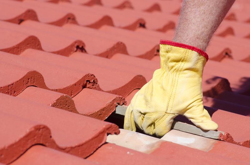 dachziegel reparieren anleitung in 4 schritten