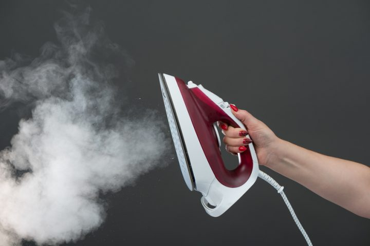 Dampfbügelstation verkalkt