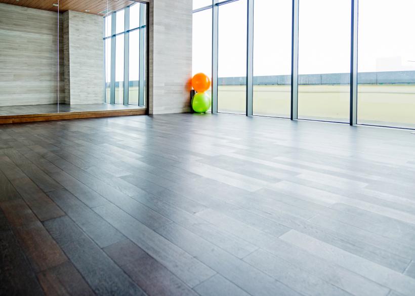 Fußboden Dielen Weiß Streichen ~ Dielen lasieren anleitung in schritten