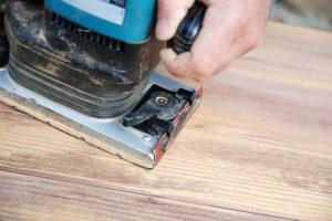 Dispersionsfarbe Holz abschleifen