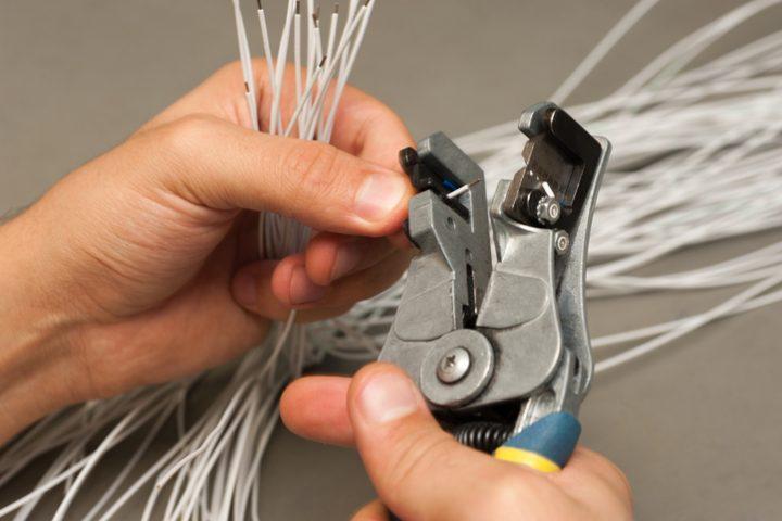 Kabel abisolieren