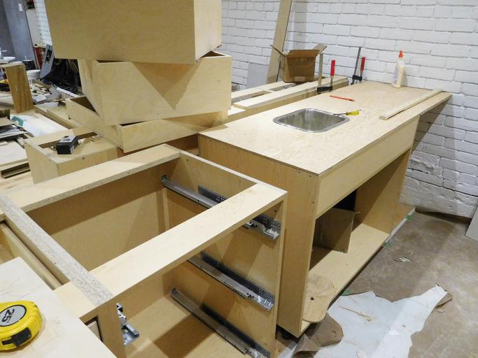 einbauk che selber bauen geht das berhaupt. Black Bedroom Furniture Sets. Home Design Ideas