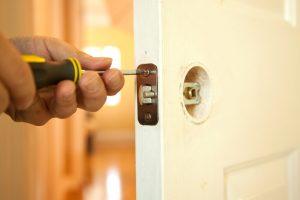 Einbruchschutz Türen nachträglich einbauen