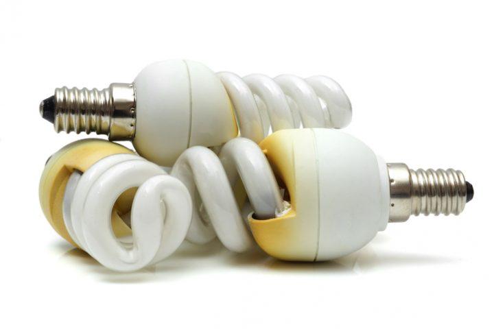 Energiesparlampe durchgeschmort