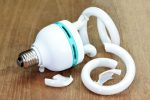 Energiesparlampe zerbrochen