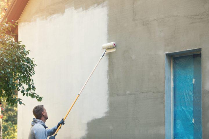 Fassade mehrmals streichen