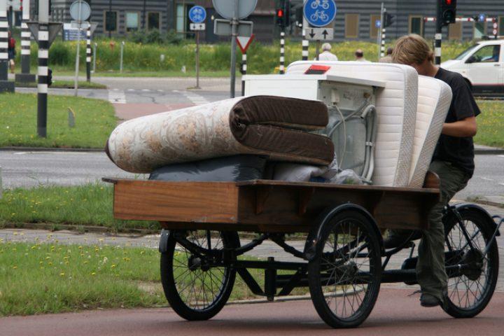 Federkernmatratze transportieren