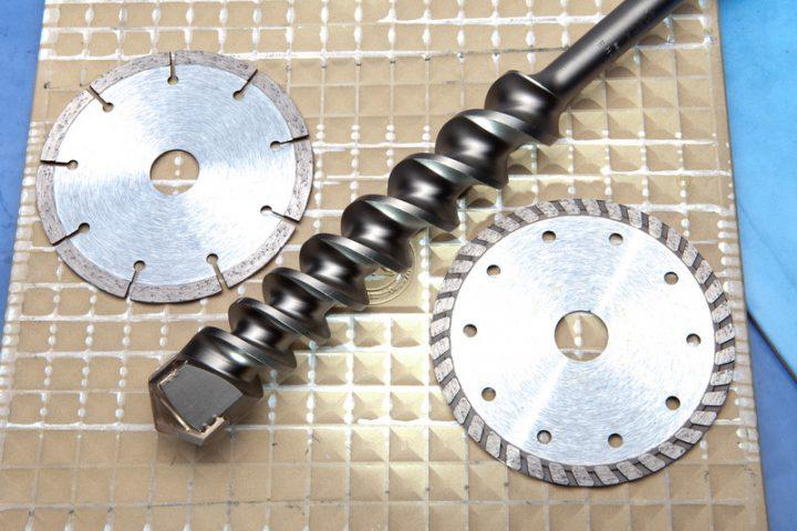 Extrem Fliesen aus Feinsteinzeug bohren » Mit diesen Tipps zum Erfolg RJ95
