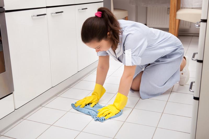 Feinsteinzeug Fliesen Reinigen So Machen Sie Es Fachgerecht - über fliesen putzen