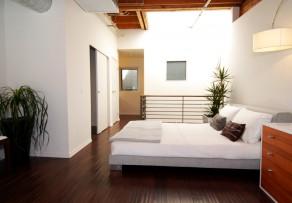 feng shui im schlafzimmer so richten sie ihr bett aus. Black Bedroom Furniture Sets. Home Design Ideas
